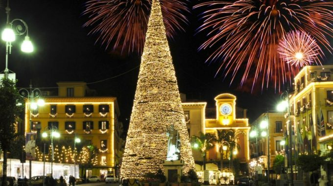 Inverno a Sorrento - luci di Natale e Presepe - Relais ...